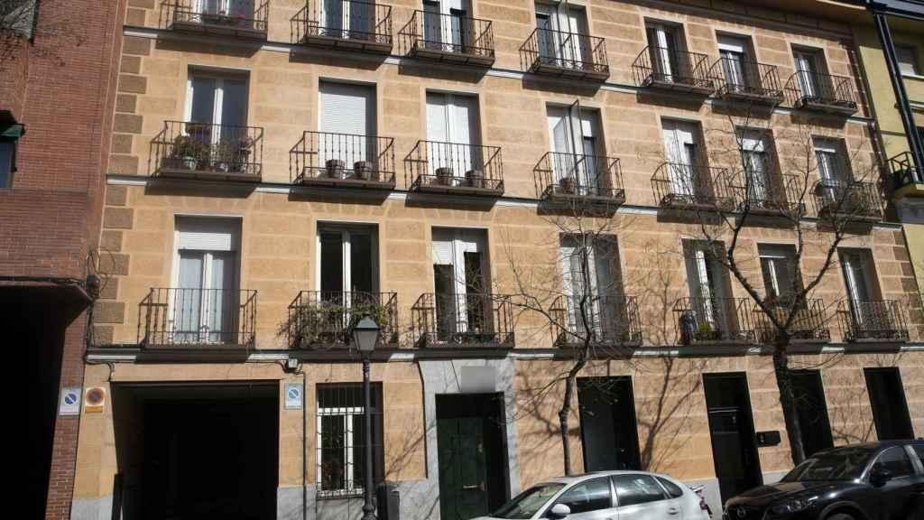Detalle del edificio en el que vive actualmente María Patiño.