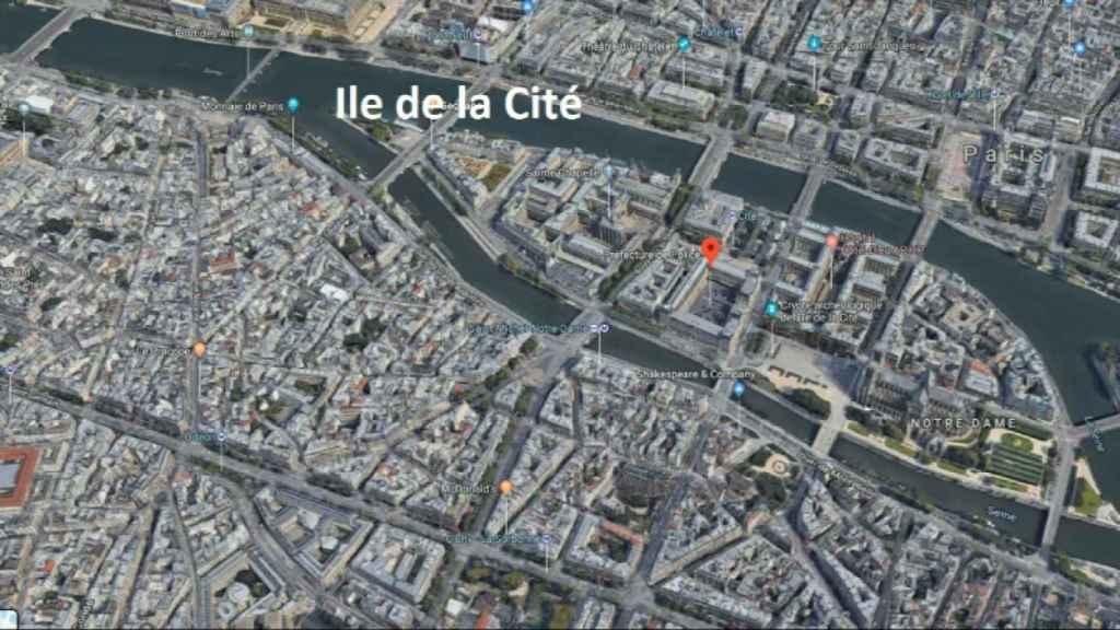 La comisaría está ubicada en pleno centro de París