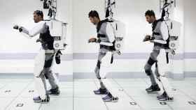 El paciente  vistiendo el exoesqueleto a lo largo del estudio.