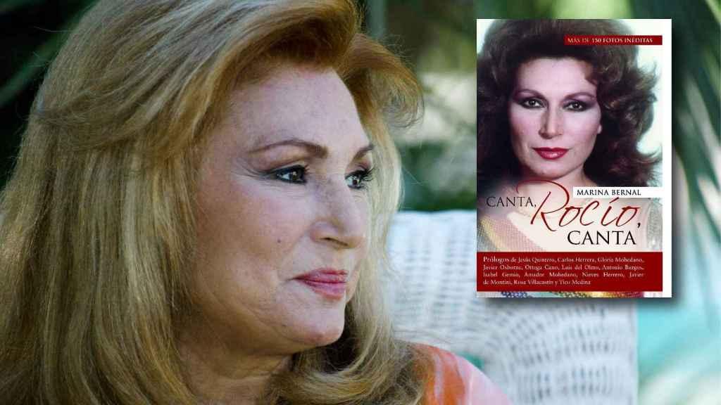 Rocío Jurado junto a la portada del libro 'Canta, Rocío, canta'.