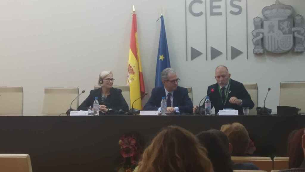 Cristy Hoffman (UNI Global Union), Pablo Isla (Inditex) y Joaquín Nieto (OIT)