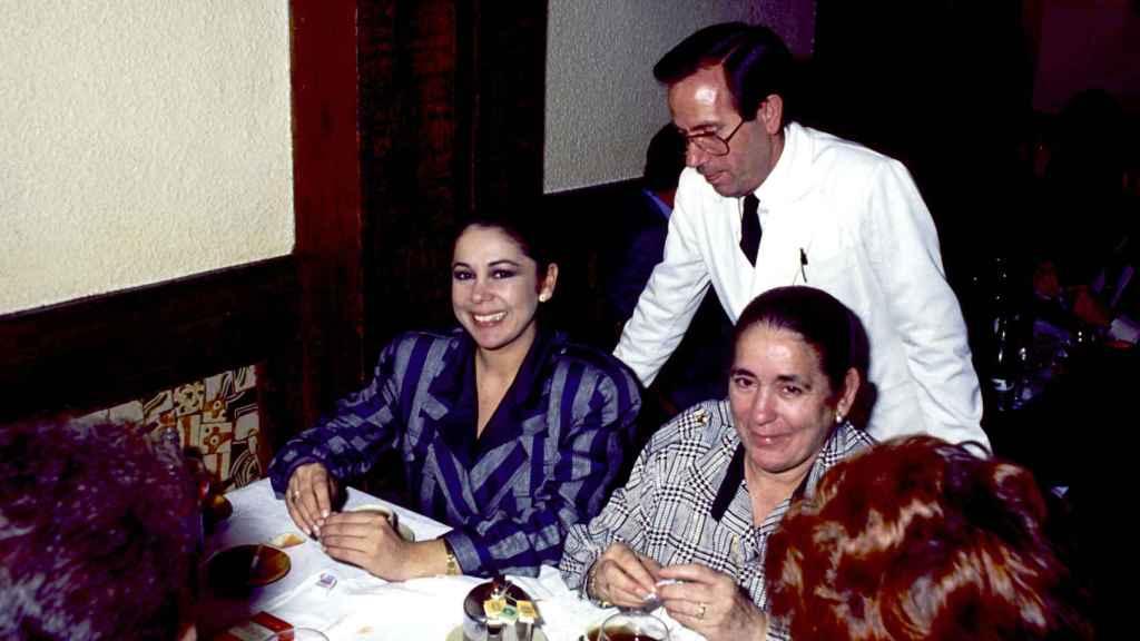 Isabel Pantoja y Ana Martín.
