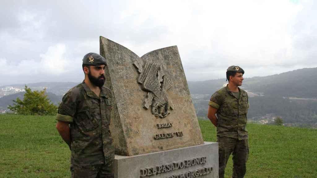 Los soldados Daniel Gómez y Richard Ríos.