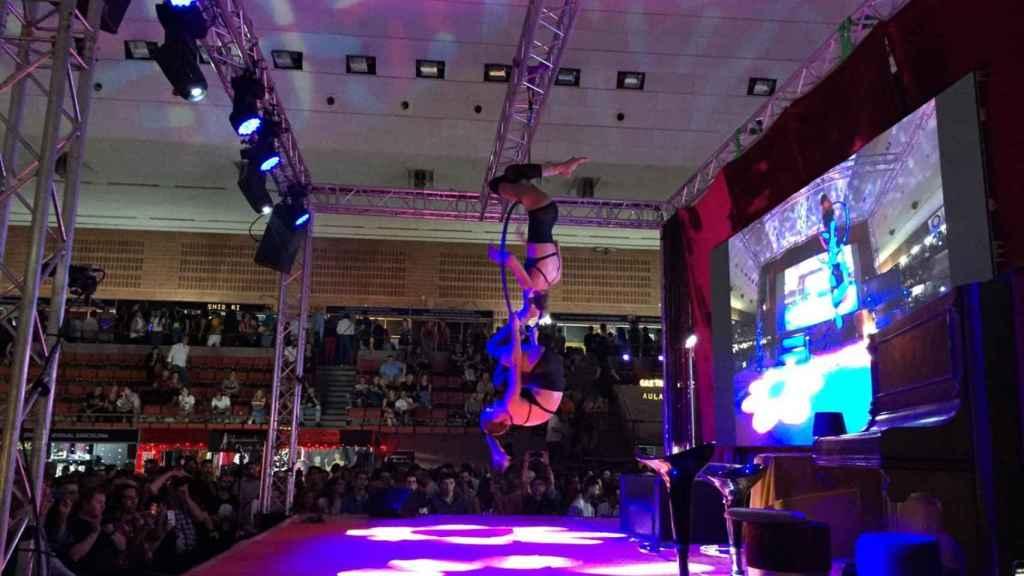 Espectáculos de acrobacias en lugar de sexo en vivo