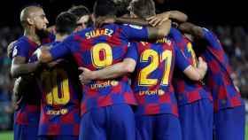 Los jugadores del Barcelona celebran uno de los goles ante el Sevilla