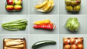 Una imagen de archivo de alimentos frescos envasados en plásticos.