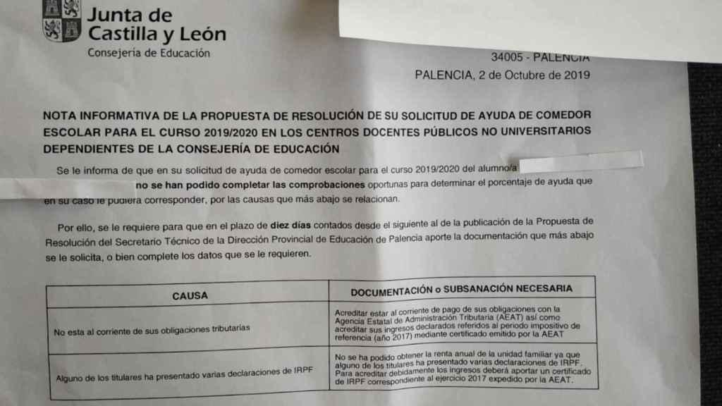 El documento que le envió la Junta con la denegación de la beca.