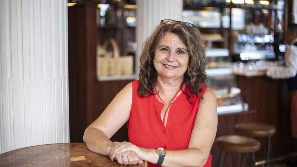 Elvira Roca es licenciada en Filología Clásica y Filología Hispánica y doctora en Literatura Medieval.