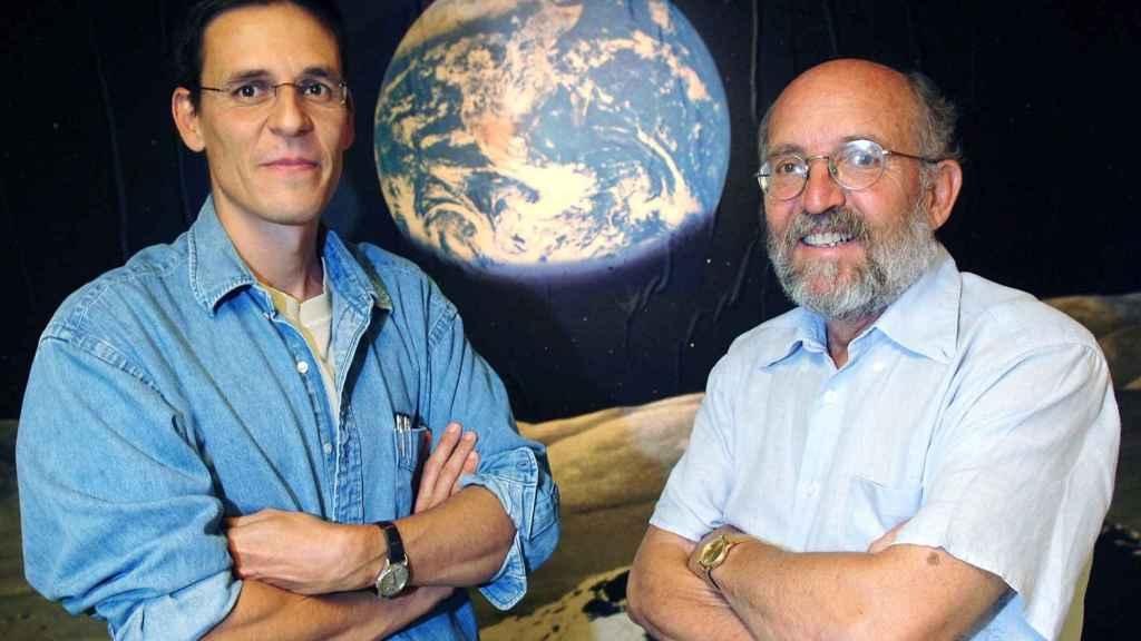 Los astrónomos suizos  Didier Queloz (izqda) y Michel Mayor (drcha).