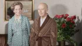 Franco y su mujer, Carmen Polo, en 1974.