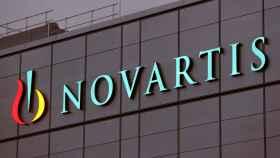 El logo de Novartis en una imagen de archivo.