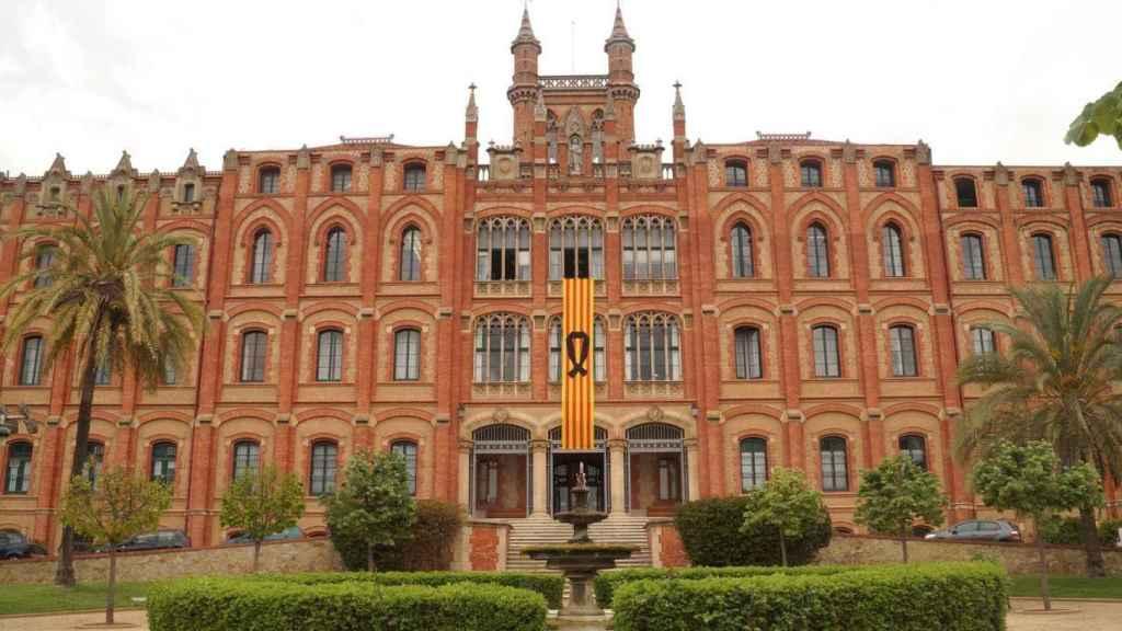 La residencia en San Cugat, donde tendrá que residir el religioso.