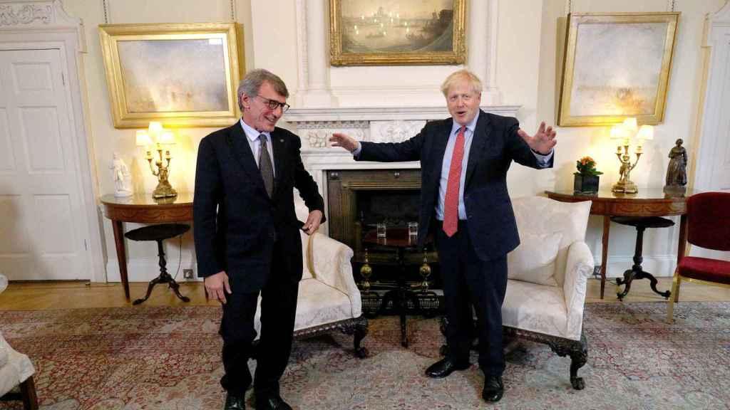 Boris Johnson se reunió este martes con el presidente de la Eurocámara, David Sassoli