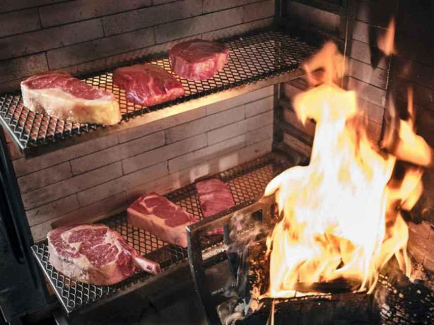 Selección de carnes en la parrilla, Piantao