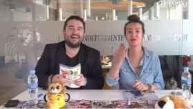 Jesús Carmona y Cristina Rodrigo en el kiosco rosa, en vídeo.