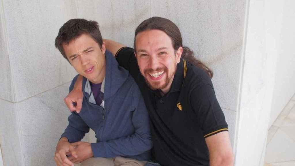 Íñigo Errejón y Pablo Iglesias, en una imagen feliz de sus primeros años juntos en Podemos.