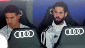 James Rodríguez e Isco Alarcón en el banquillo del Real Madrid