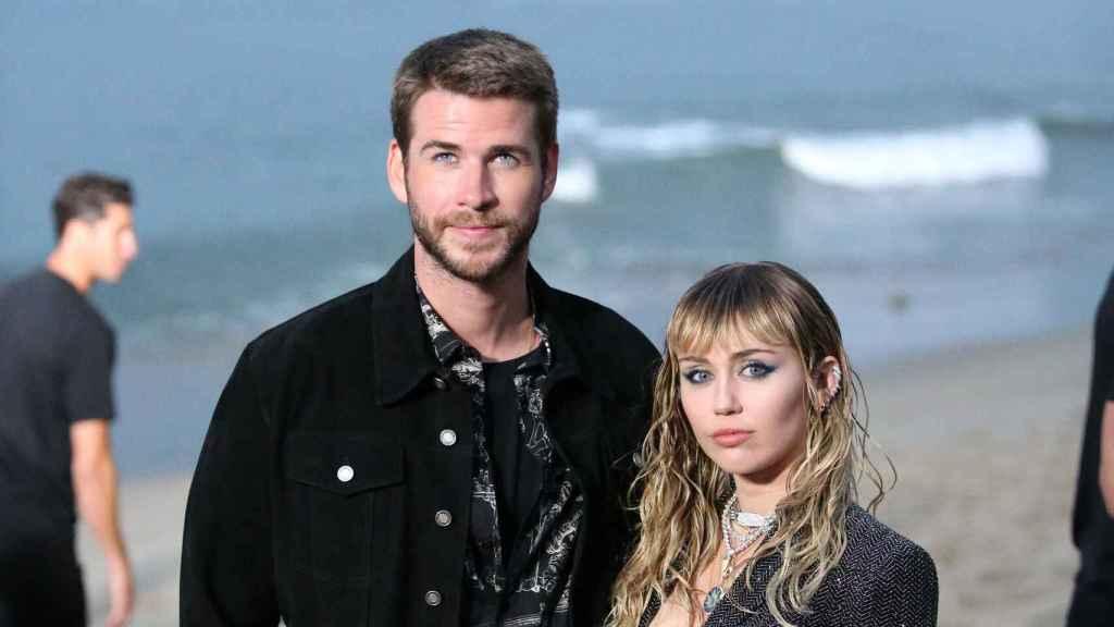 Liam Hemsworth y Miley Cyrus en una de sus últimas imágenes juntos como marido y mujer.