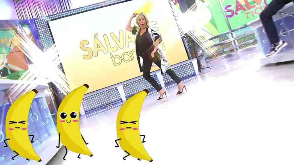 Lydia Lozano bailando al comienzo de 'Sálvame Banana'.