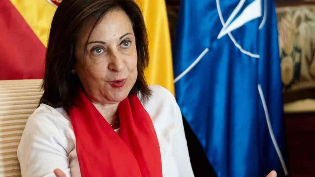 Margarita Robles recibe a EL ESPAÑOL en su despacho del Ministerio de Defensa.