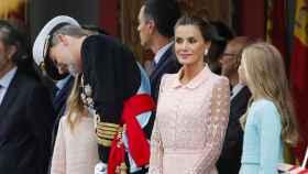 La reina Letizia ha vuelto a confiar en Felipe Varela para sus señaladas citas del 12 de octubre.