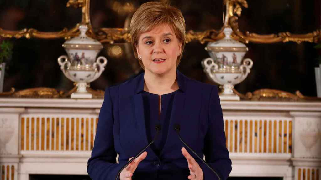 Los nacionalistas escoceses reconocen que la propuesta de referéndum les ha pasado factura