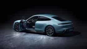 Porsche presenta por sorpresa un eléctrico que le hará la vida difícil a Tesla