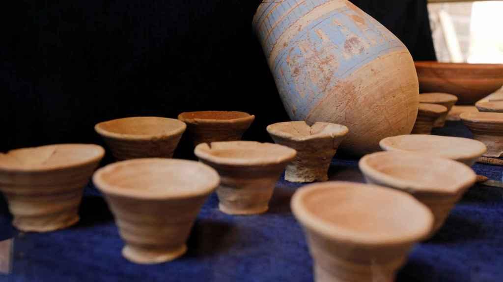 Elementos de cerámica hallados en la nueva zona descubierta.