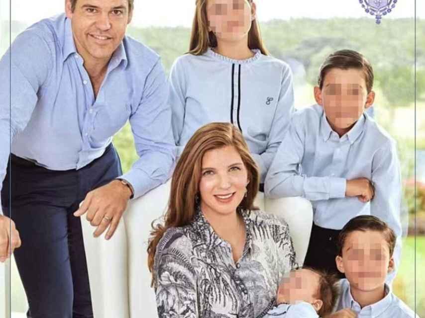 Luis Alfonso de Borbón, Margarita Vargas y sus cuatro hijos.