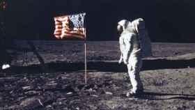 La llegada a la luna: un pequeño paso para el hombre, un gran evento para la televisión