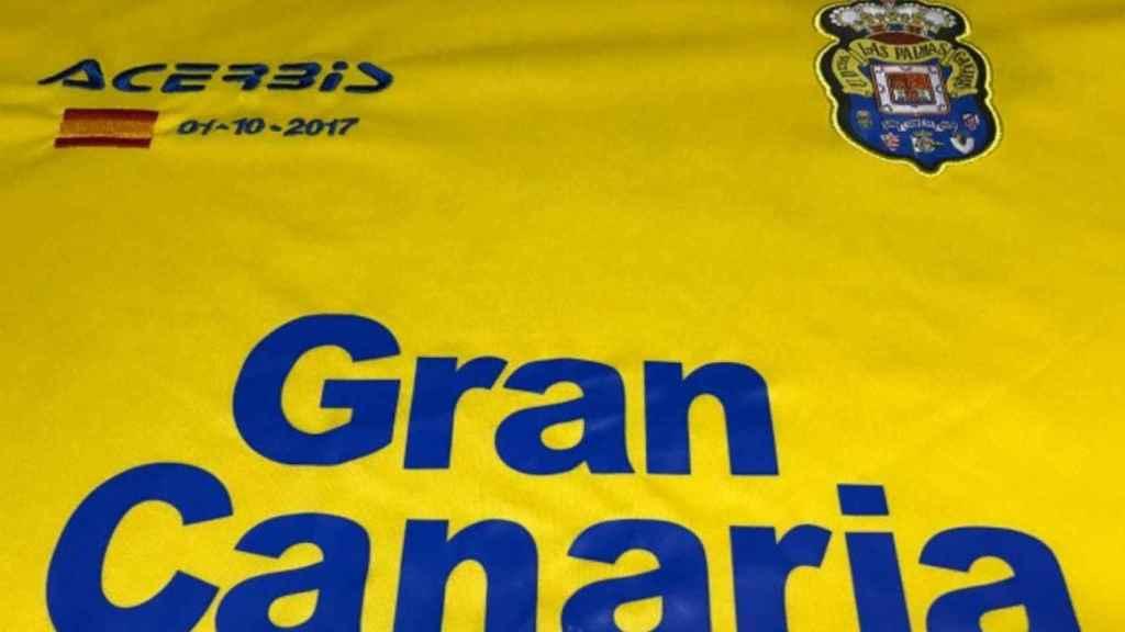 Camiseta de la UD Las Palmas para el partido contra el Barcelona del 1 de octubre de 2017.