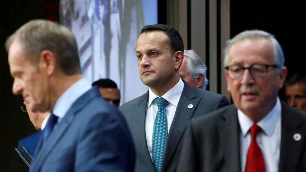 Donald Tusk, Jean-Claude Juncker y Leo Varadkar, durante la cumbre de este jueves