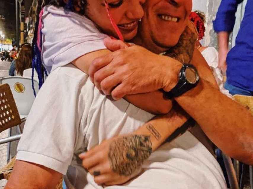 Valeria junto a su padre, en una imagen reciente.