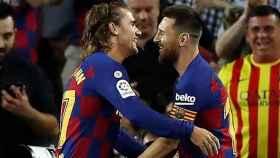 Messi y Griezmann celebrando un gol