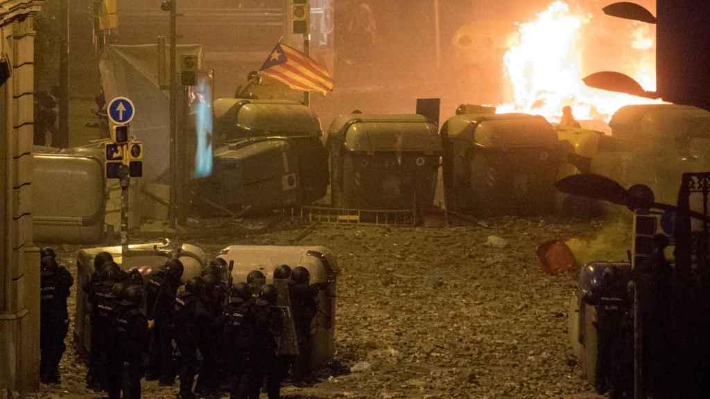 Los disturbios en la noche del viernes fueron los más graves que se han registrado en Barcelona.