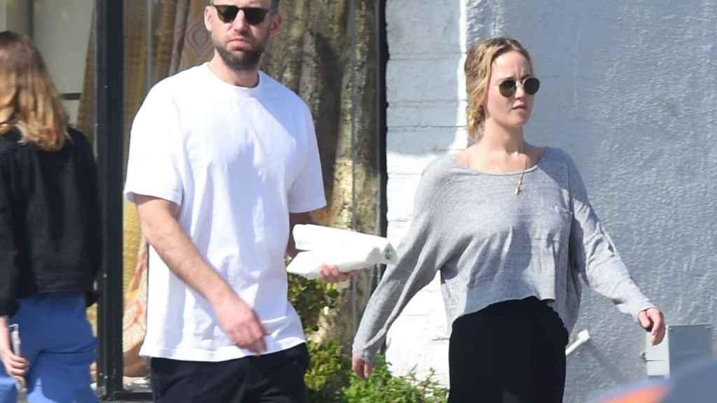Jennifer Lawrence ha contraído matrimonio con el galerista de arte Cooke Maroney.