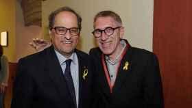Agustí Colomines junto a Quim Torra, presidente de la Generalidad.