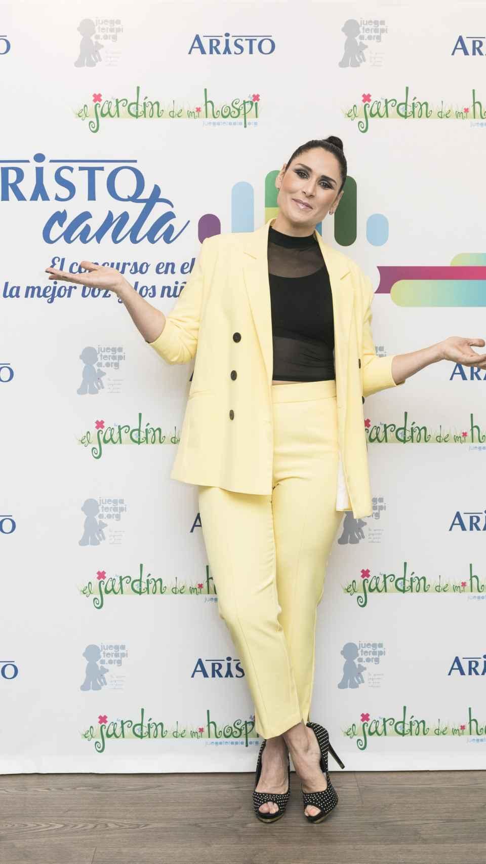 Rosa López en la presentación del proyecto de Aristo Canta y Juegaterapia.