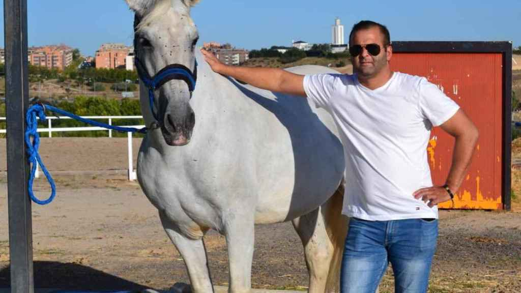 Humberto es uno de los pocos tanatopractores titulados en la provincia de Lugo.