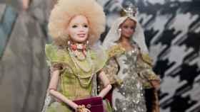 Cayetana de Alba se convierte en una llamativa Barbie a la que no le falta detalle.