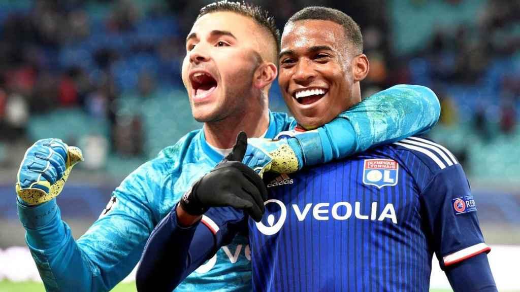 Los jugadores del Lyon celebran una victoria