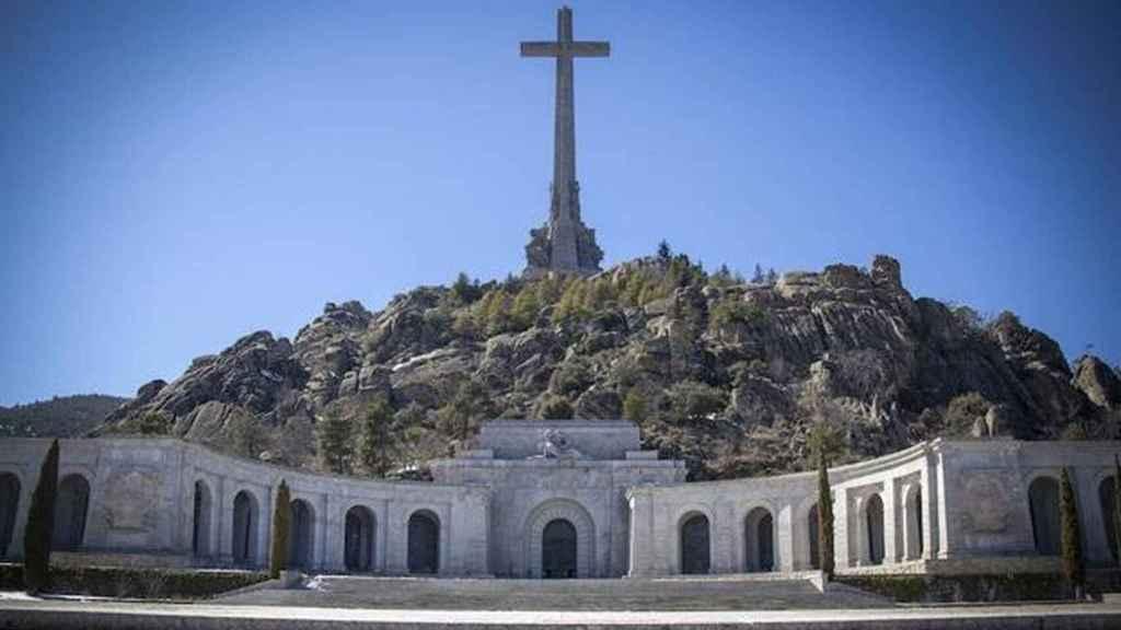 Basílica y cruz del Valle de los Caídos./