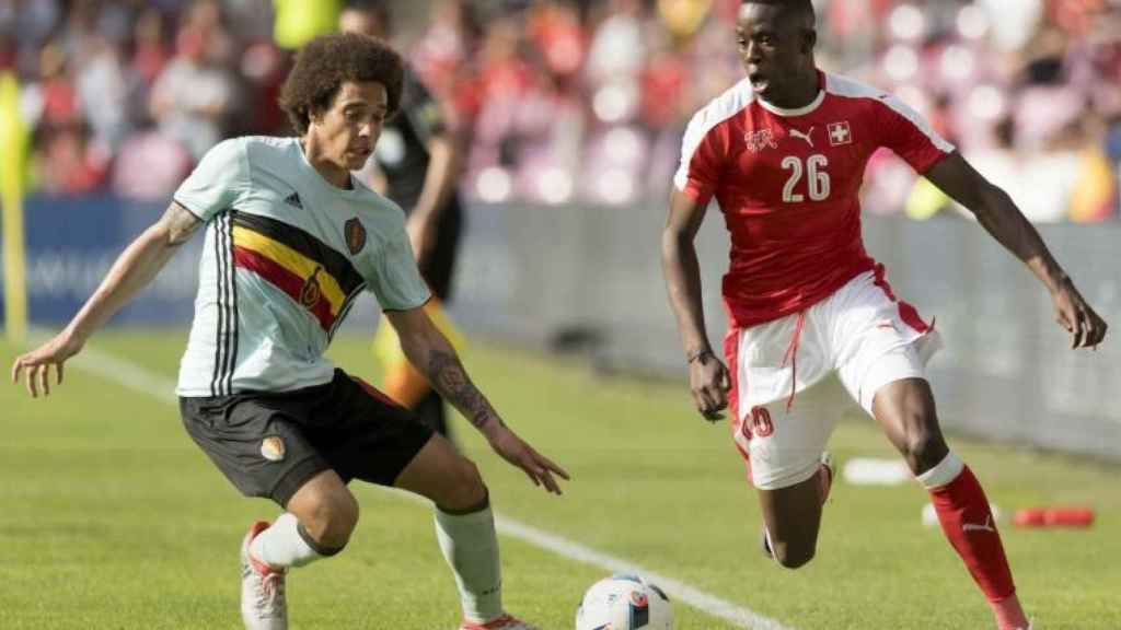 Denis Zakaria en un partido de la selección suiza
