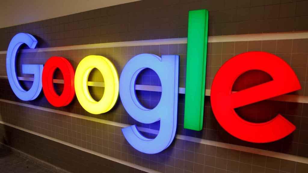 Logo de Google en la oficina de la empresa en Zurich