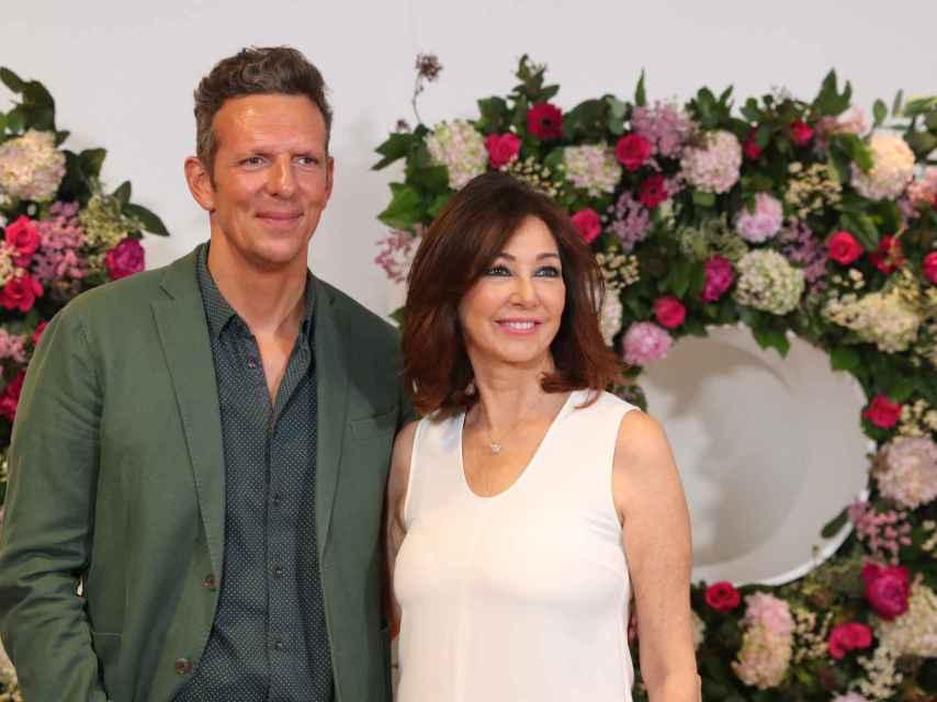 Prat y Ana Rosa en una imagen del fin de temporada de 'AR' en 2018.