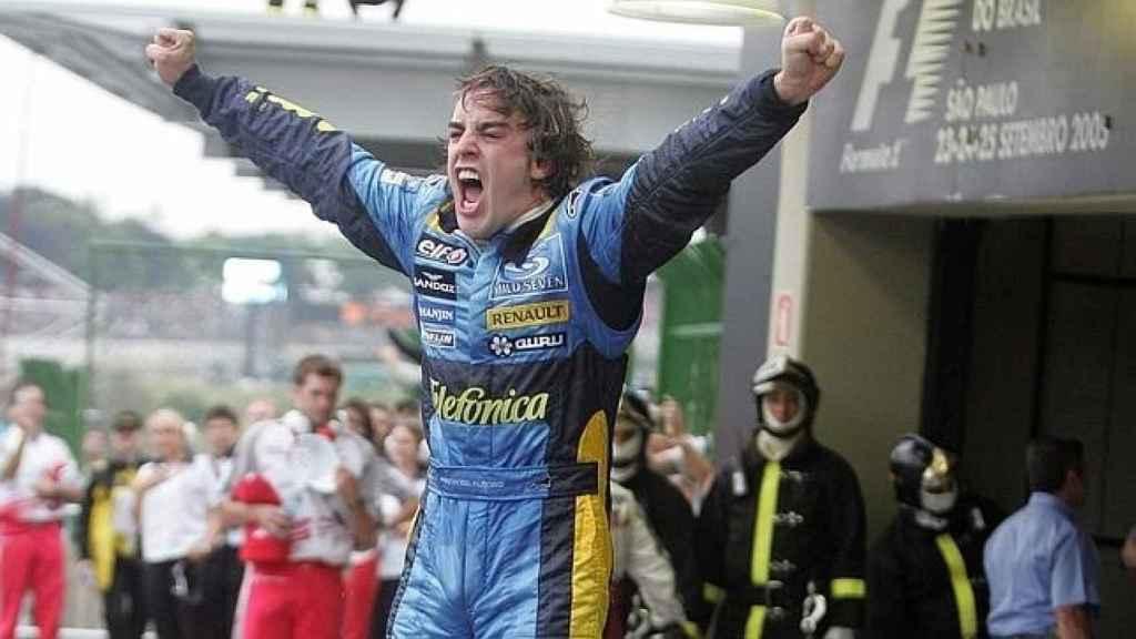 Fernando Alonso en el Gran Premio de Brasil en 2005.