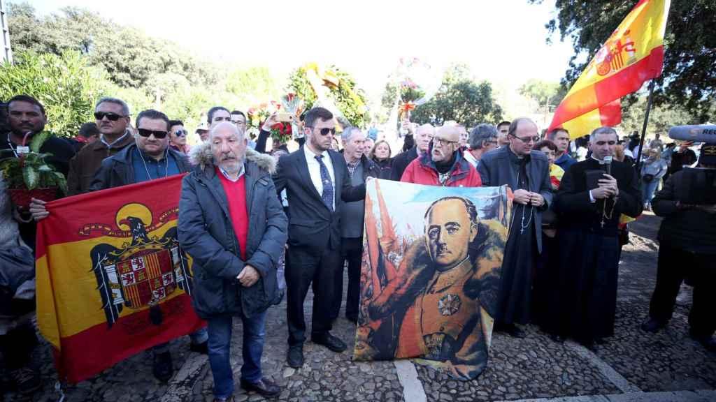 Simpatizantes de Franco, el pasado mes de octubre, durante la inhumación en Mingorrubio (Madrid)