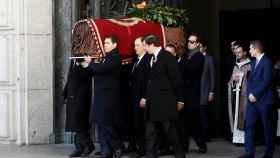 Franco sale a hombros del Valle de los Caídos