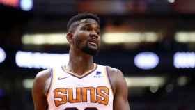 Deandre Ayton, con los Phoenix Suns