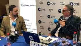 Carlos Herrera entrevista a Santiago Abascal, en una imagen de archivo.